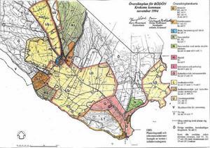 Längst ner på kartan, i det vita området alldeles intill Rödöbron, spekuleras det i översiktsplanen i om det kan komma att byggas bostäder.