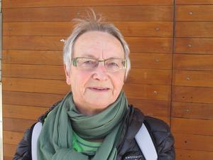 Karin Nyström, 69, pensionär, centrum:– Det är väl gamla foton och smycken. Dator och mobil går att ersätta, men inte minnena som finns i gamla smycken.