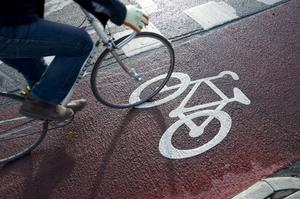 Gävle kan utmärka sig som först i landet med ett nät av höghastighetscykelbanor. Cyklandet måste börja betraktas såsom en separat trafikform och inte blandas med gångtrafik.