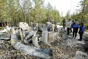 2003 brann Tallstugan ner första gången.