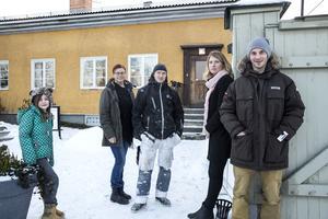 Dalarnas Antidiskrimineringsbyrå ställer upp i Stafettvasan. Från vänster, maskoten  Mira Rastman. Ulrika Wiborgh. Johan Stens. Evelina Larsson. Thomas
