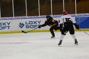 Brunflos Anders Waplan i ett skott på mål. En frisk fläkt i Brunflo.