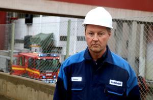Till en början orsakade branden kraftig rökutveckling berättar Tommy Walker, produktionschef Akzo Nobel Alby.