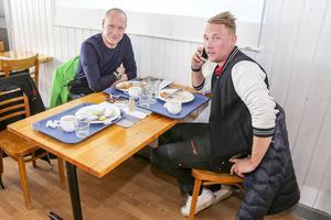 Svegs ICA-handlare, Leif och Sebastian Lindström vill helst inte ha någon förbifart men tycker att det är bra med dialog.