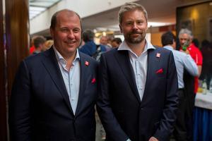 Niklas Carlsson och Niklas Sjögren på väg in till den presentation av Åres VM-koncept som gjordes inför FIS-kongressen i tisdags.