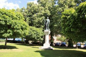 Gustav Vasa-statyn i Kvarnparken är gjord av skulptrisen Ida Matton, som också skapat GIF:s logga från 1903.