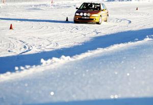 Över 150 personer valde att sladda runt på Östersunds motorstadion när de höll öppet i helgen.