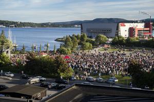 Precis när konserten tagit slut börjar den stora publiken spridas ut.