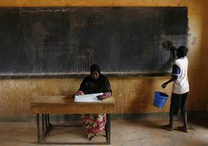 Ubildning är oerhört viktig, inte minst att erbjuda flickor utbildning.