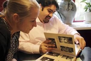 Sofia Marcetic tillsammans med Erland Kaldaras från Romska kulturcentrat i Malmö som driver projektet tillsammans med Hälsinglands museum.