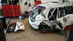 Bilen var rejält kvaddad efter kraschen Rally East Sweden i fjol.