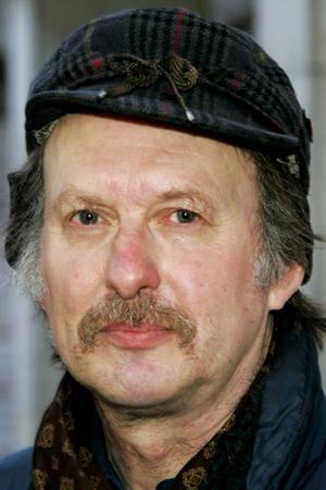 Bertil Forsberg, 54 år, Östersund:– Nja. Jag håller väl ett öga på det i tv:n och tidningarna. Men jag går inte dit.