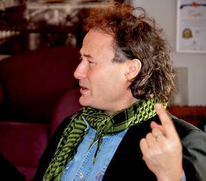 Yamandu Pontvik, körledare i Svenska kyrkan och ansvarig för den kulturella biten gällande Nackstakarnevalen.