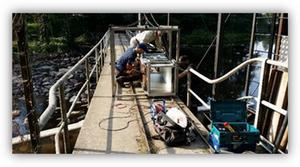 Under onsdagsmorgonen installerades fiskräknare i Testeboån.