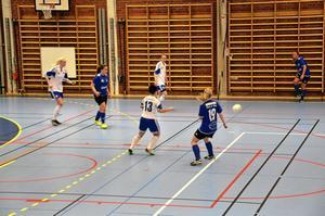 Match. Totalt åtta lag deltog i går i Ica Allés cup för damer. I år var det första gången som IFK Hallsberg arrangerade cupen, som tidigare har arrangerats av Hallsbergs bollklubb.