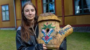 """Till final. """"Jag brukar måla kurbits, så jag gjorde en kurbitsholk"""", säger Hanna Berglund, 18 år."""