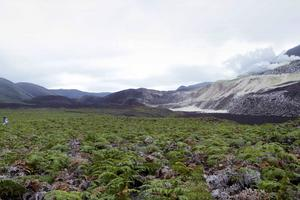Teamet som kartlade Galapagos reste i timmar för att komma till de avlägsna platserna vid vulkanerna.