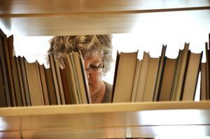 Samlingspunkt. Ramsbergsborna månar om sitt bibliotek, som förutom att erbjuda böcker i hyllorna och beställningsverk, också är en viktig mötesplats i byn. Arkivbild