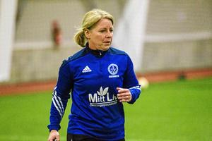 Eva Lambertsson har tidigare tränat Iggesunds IK, men basar nu för Ljusdals F19 Elit. Ett uppdrag som ligger nära hennes erfarenhet som förbundskapten för olika distriktslag.