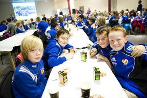 Hampus Andersson, Rikard Renhuvud, Adam Ericsson och Erik Liss berättar att något av det roligaste under säsongen var då man deltog i Pepes cup och vann några matcher.