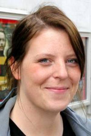 Katrin Olofsson, 24 år, Offerdal:– Nej, jag är inte intresserad. Men jag ska rösta. Det är för att minska risken för att extrema partier kommer in.