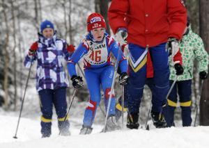 Erik Larsson Mora tvingas kryssa mellan åkare som värmer upp i spåret och förlorar där sekunder som kunde ha gett honom andra platsen. Erik slutade nu trea.