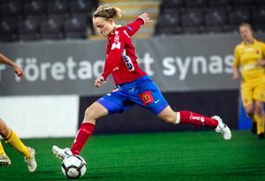 Marie Hammarström, här i Kif Örebro-tröjan, stod för en lyckad landslagsdebut.