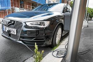 Lennart Lindgren skriver om sina erfarenheter av elbilskörning och menar att det inte alls är dyrt att ladda bilen hemma.