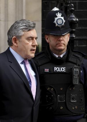 Vill inte flytta. Storbritanniens premiärminister Gordon Brown hoppas stanna kvar i 10 Downing Street efter valet.FOTO: scanpix