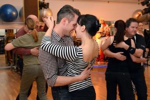 Crossfit må bränna fler kalorier än dans, men dans bjuder på fler leenden.