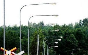 De lampor som hamnar utanför de nya riktlinjerna får de boende betala om de vill ha dem kvar. Foto: Johan Solum/Arkiv/DT