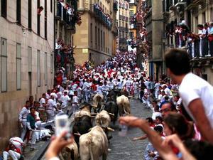 Tjurrusning på San Fermin-festivalen i Pamplona. Foto: Stockxchng
