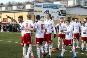 Fyra gånger fick HuFF jubla i söndagens match.