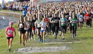 4 343 löpare genomförde fjolårets premiärlopp av Vårruset i Östersund.   Arkivbild: Olof Sjödin