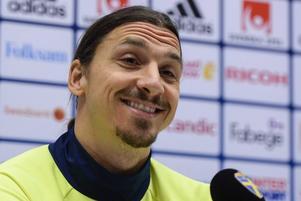 Zlatan Ibrahimovic under torsdagens pressträff på Friends arena i Stockholm inför fotbollslandslagets playoff-matcher till EM mot Danmark.