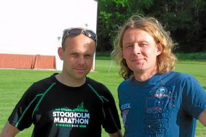 Jesper Lindgren och Jonas Lennestål, båda IFK Sala, springer Stockholm Marathon på lördagen. Foto: Niclas Bergwall