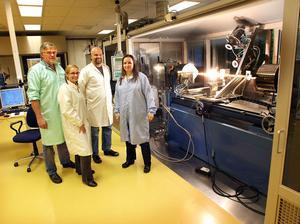 Mats Eriksson, Helena Eriksson Quist, Niclas Sjödin och Åsa Claesson vid Acreo är glada över att fysikpriset riktar uppmärksamheten på fiberoptiken.