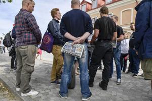 Nazisterna i Nordiska motståndsrörelsen på plats i Almedalen - med vandalism, våld, skadegörelser, hot, trakasserier, hets mot folkgrupp och medvetna aktioner mot andra partiers tal och möten.