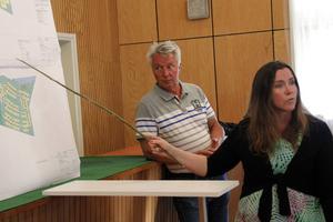Stadsarkitekt Christina Englund informerade tillsammans med Paul Nilsson.
