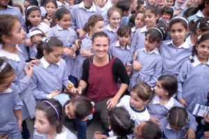 Under tre veckor fick Emilie Malmqvist, från Falun, möjlighet att undervisa och delta i dansshower i Palestina.