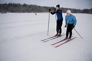 Vana åkare. Björn Sandberg och Linnea Petersson har åkt på längden i många år. Det har blivit desto mer de senaste snörika vintrarna.Foto: Magnus Östin