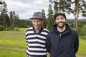 Tomas Eriksson, kontaktperson och ledare, och Rasmus Ullström, projektledare för Handigolf Riks 2013–2015.   – Av detta ska vi ta fram ett handledningsmaterial som blir en sammanställning för alla klubbar, säger Tomas Eriksson.