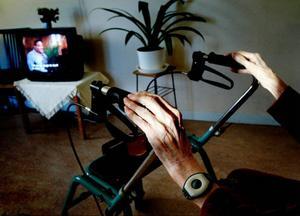 Under 2011 fick var femtonde kvinna över 80 år i Jämt- land sjukhusvård på grund av en fallolycka. Med bättre förebyggande vård skulle antalet drastiskt minska, anser dagens debattörer.Foto: jessica Gow, scanpix