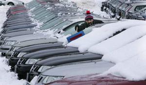 Nybilsförsäljningen viker. En kraftfull skrotningspremie kan bidra till en förbättring.