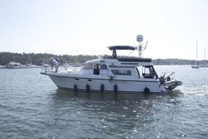 Storebroinvasion. 29 båtar av märket Storebro träffades i gästhamnen i tisdags. Det är en del av klubbens årligt återkommande eskader.Foto: Birk Sollenius