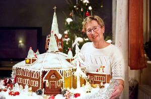 Jokkmokks kyrka blev i år pepparkakshus hemma hos Tini Pella.