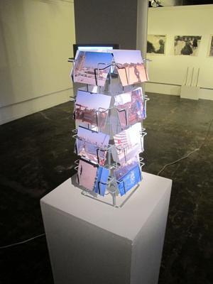 KÄRLEKSVYKORT. Har du sålt ditt minneskort till kameran kan du bli en del av Peter Josefssons konst.