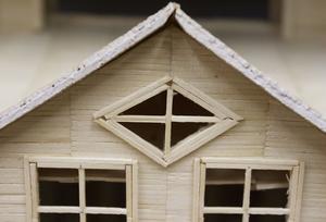 Olle Lundgren har inte sparat på detaljerna när ha gjort sina modellhus.