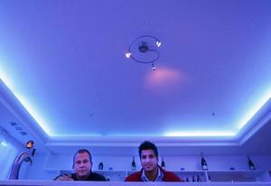 Blått igen. Jukka Sorsa och Muhamed Nablsi ska sätta fart på Blue moon bar i Gävle igen.