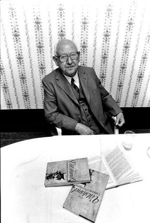 Den legendariska Sandvikchefen Wilhelm Haglund ledde hårdmetallens intåg i företaget. I jubileumsboken avslöjas att det var en schism med huvudägaren Stenbeck som gjorde att han plötsligt slutade som vd 1967.